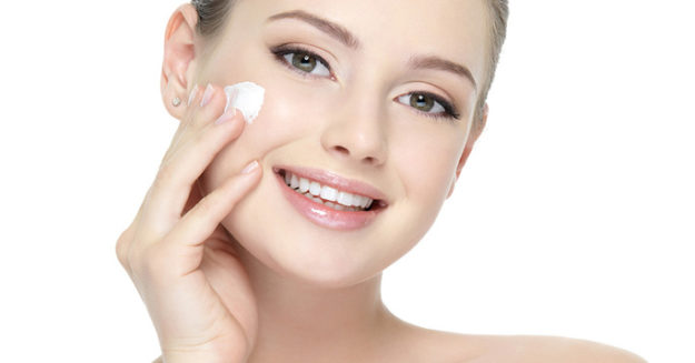 The Safety and Efficiency of Murad Clarifying Cleanser