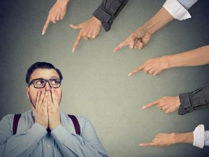 9 Tips to Overcome Shyness